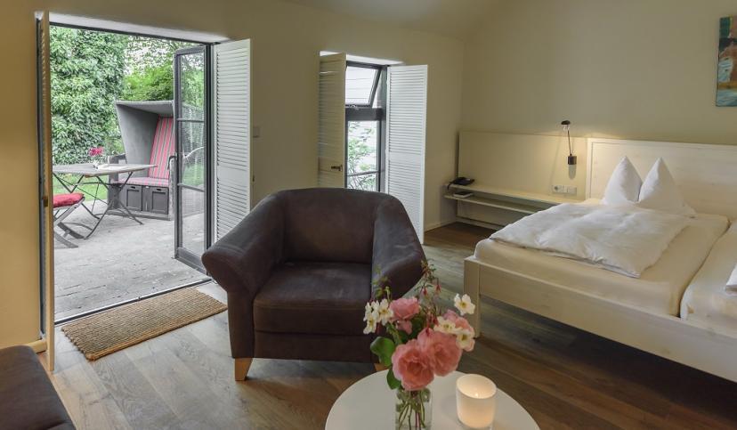 Zimmer mit Terrasse, © NAKUK